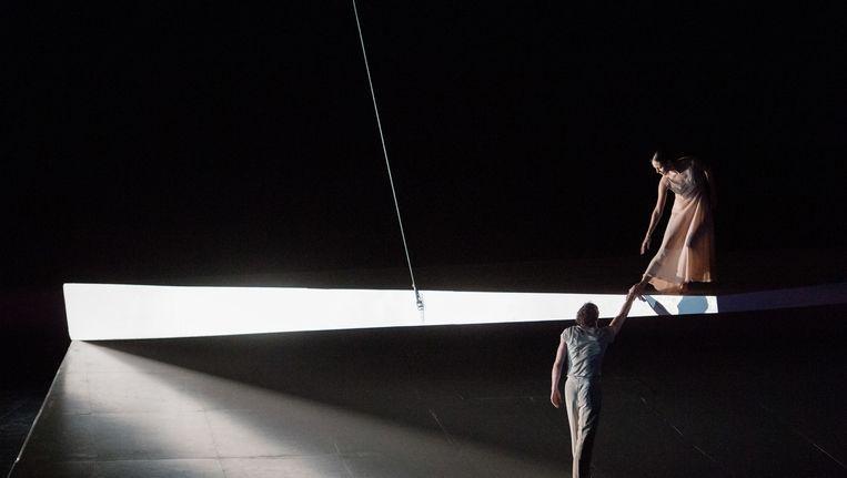 James Stout (Roméo) en Igone de Jongh (Juliette) in Roméo et Juliette van De Nationale Opera en Het Nationale Ballet. Beeld Monika Rittershaus
