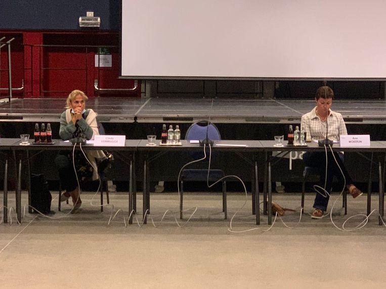 Ann Vanheste blonk uit in afwezigheid. Cindy Verbrugge (links) en Ann Woestijn (rechts) waren er wel Beeld Benny Proot