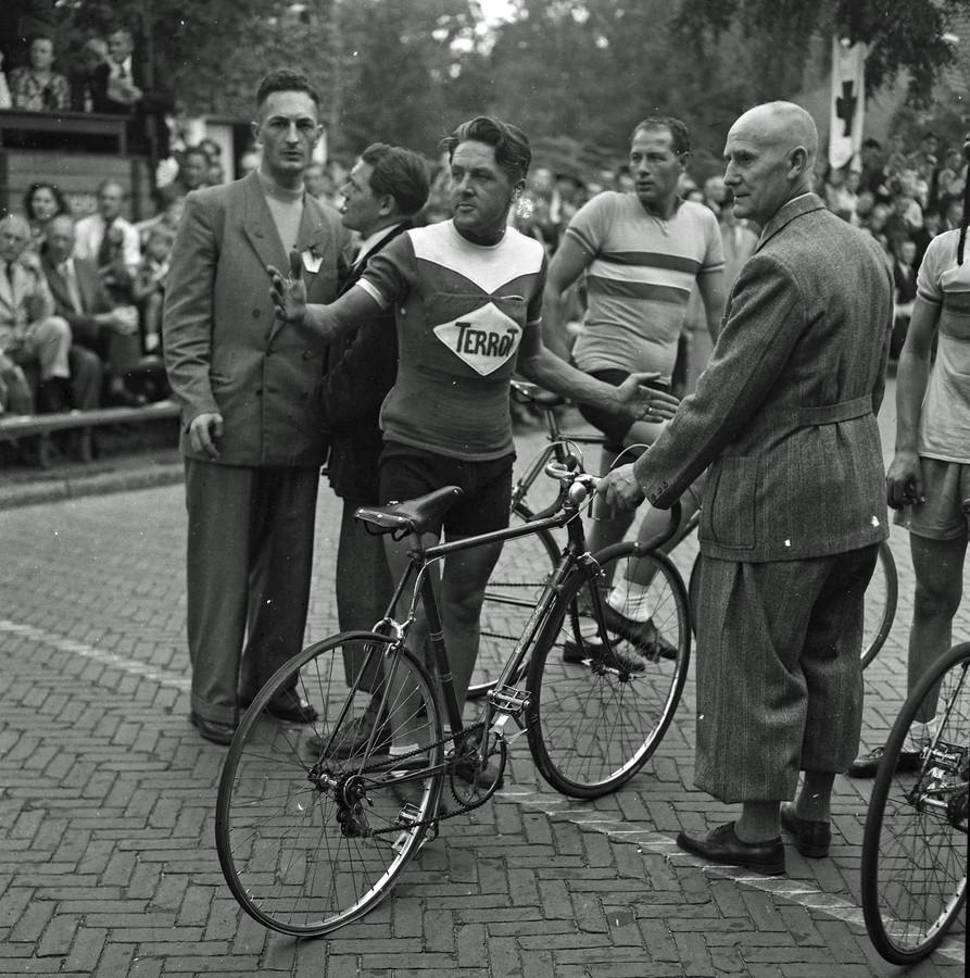 De wielerronde van Helmond in 1952
