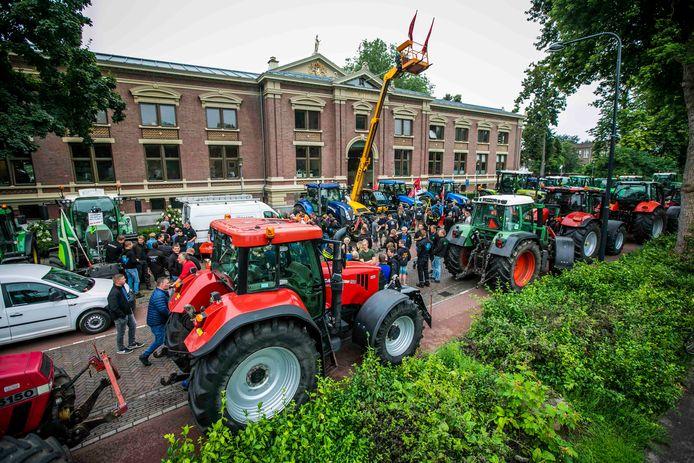 De boeren bij de rechtbank in Zutphen woensdagmiddag