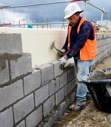 """Pénurie dans la construction: la ministre Morreale organise un """"Tinder de l'emploi"""""""