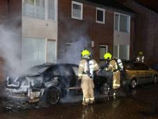 Auto brandt uit in Maassluis