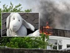 Brandweerman redt knuffel uit brandende woning: 'Dat ze aan zulke details denken, raakt me'