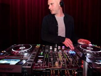 """DJ Jan V. sluit zondagavond Moose Bar af op Tomorrowland: """"Het zal er 'boenk op' moeten zijn"""""""