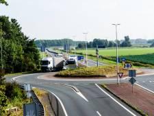 Nieuwe rotonde bij provinciale wegen Oostvoorne voor betere doorstroming