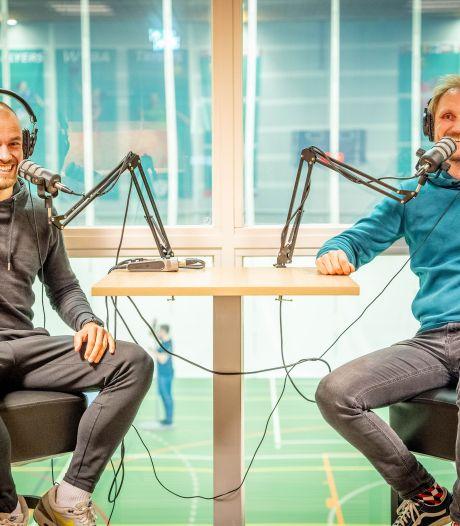 Joopie en Jaapie duiken terug de puberteit in: docenten Maaswaal College maken lekker luchtige podcast