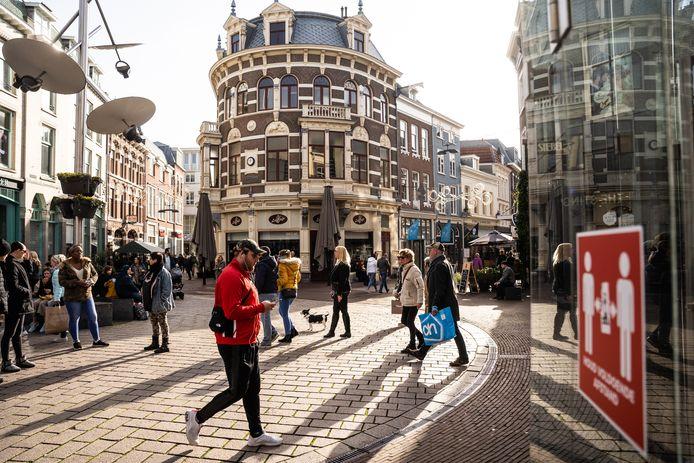 Drukte in de Arnhemse binnenstad op zaterdag 7 november.