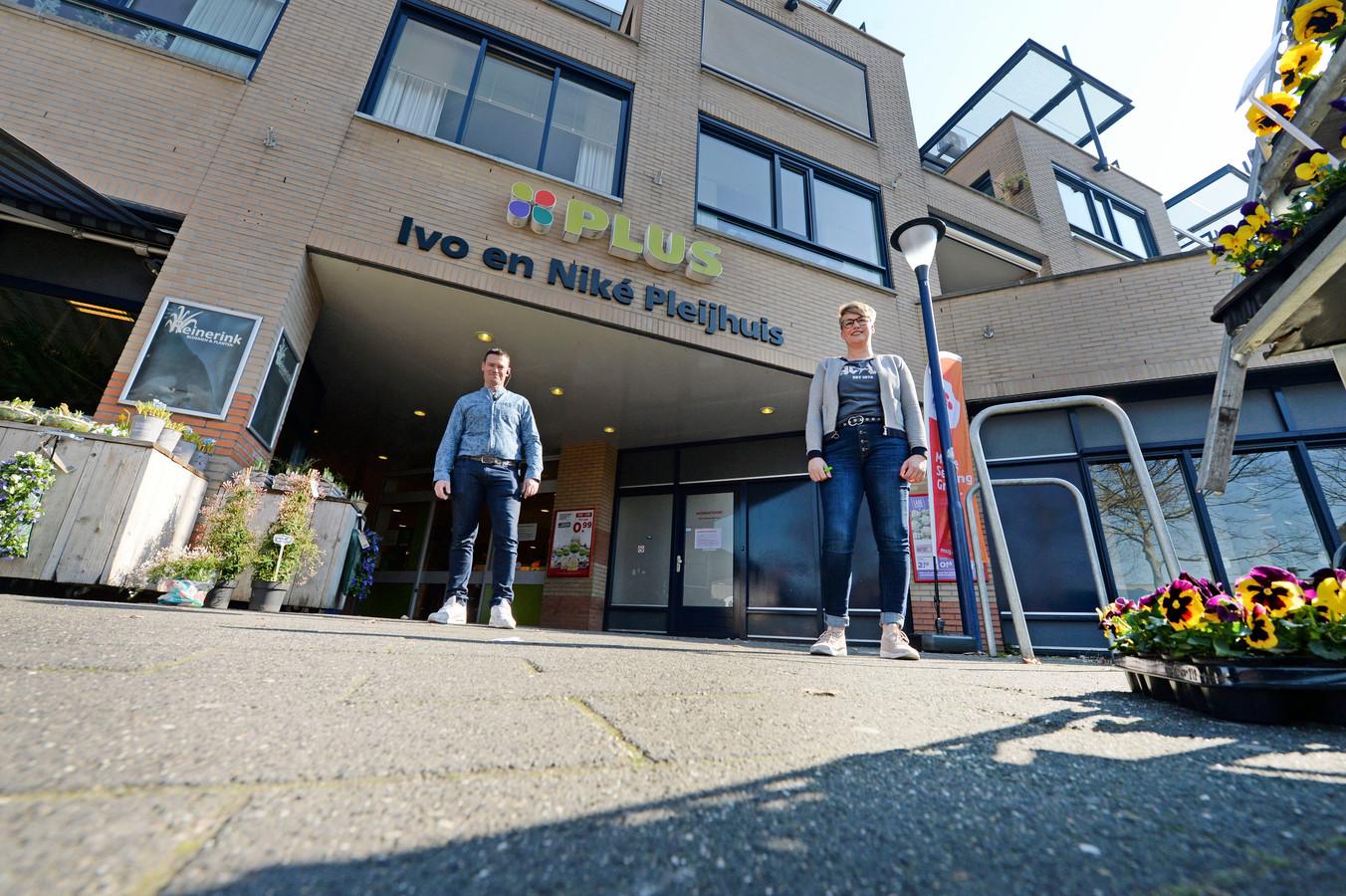 Niké Pleijhuis spreekt er schande van: een medewerker werd uitgescholden door een klant, die weigerde een winkelwagentje te gebruiken. AR20200326