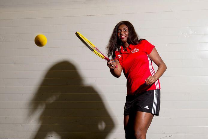 """Christelle Zola is Nederlands kampioen dynamic tennis. ,,Ik raakte altijd in paniek als ik in een partij achterstond. Ik moest op het NK aan mezelf bewijzen dat ik die fase ontgroeid was."""""""