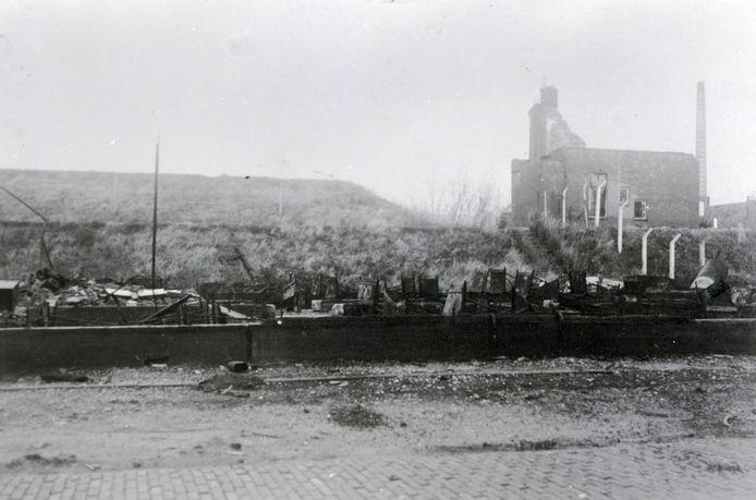 Fort Westervoort na de verwoestende aanval door de Duitsers eind mei 1940.