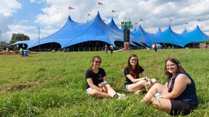 """Ondanks coronamaatregelen genieten van festivalsfeer op Dranouter Zomersessies XL """"Dit is het kleine broertje van Festival Dranouter"""""""