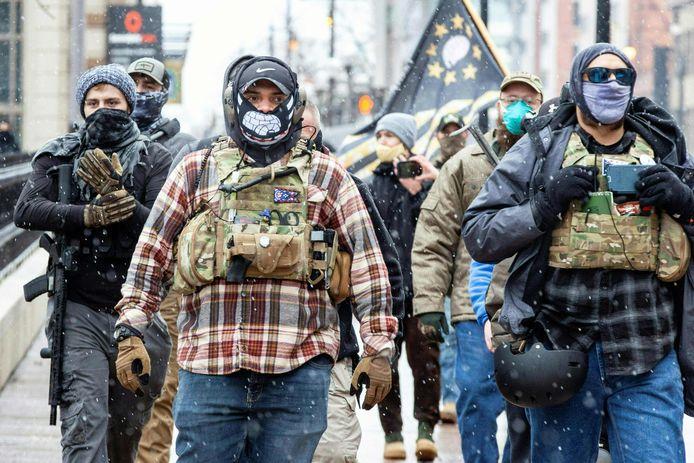 Gewapende rechts-extremisten aan het staatsparlement van Ohio in Columbus.