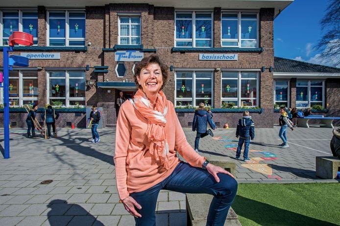 Annette van Zoelen bij de openbare Theo Thijssenschool in Waddinxveen, twee jaar geleden.