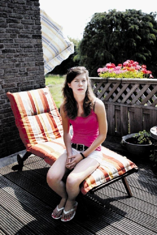 Dionne Schaareman liep in 2000 een tekenbeet op. Pas na jaren kreeg zij ernstige gezondheidsklachten. (FOTO JÃ¿RGEN CARIS, TROUW) Beeld