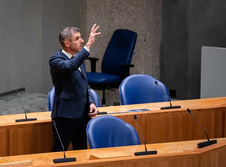 Demissionair Staatssecretaris Paul Blokhuis van volksgezondheid, welzijn en sport (ChristenUnie) tijdens het debat over misstanden in de turnsport. Beeld ANP