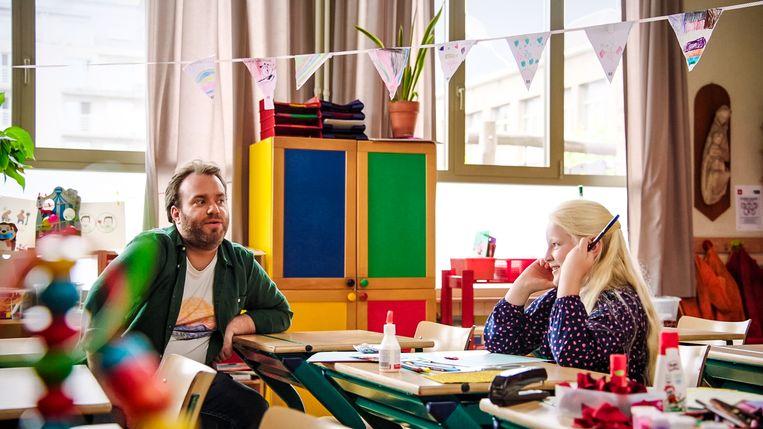 Jens Dendoncker presenteert 'Da's liefde'. Beeld VTM