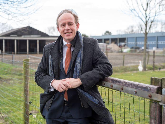 Lijsttrekker Kees van der Staaij op geitenboerderij de Mèkkerstee in Ouddorp