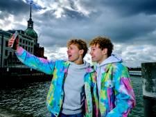 Broers Aaron en Quinn (17) zijn sterren op TikTok en zo flikken ze dat: 'Wij zijn dé tweeling'