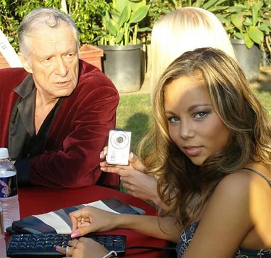 Mai-Lan in 2008 met Hugh Hefner in zijn Playboy Mansion in Los Angeles.
