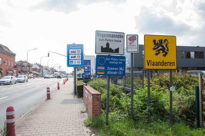Sint-Pieters-Leeuw voert een bouwstop in en hoopt zo onder andere in de  de wijk Negenmanneke de verstedelijking een halt toe te roepen.