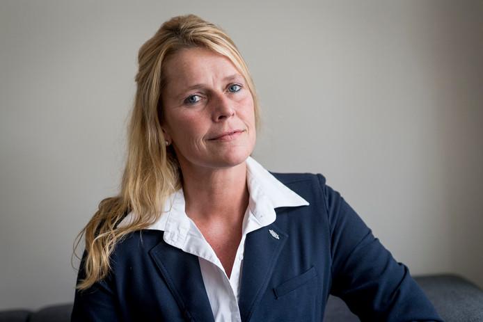 Maureen Muller: tegenkandidaat.