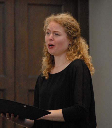 Alt Eline Welle doet het schier 'onmogelijke' tijdens Bach Cantate in Grote Kerk