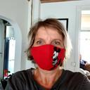"""Jolanda van Trier uit Oosterhout: """"Gemaakt van stof die je op 60 tot 90 graden kan wassen, hij heeft ook een filter. ik heb ze voor mijn gezin gemaakt voor als we ze nodig hebben."""""""