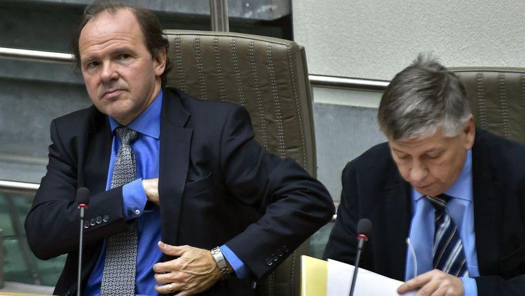 Minister van Sport Philip Muyters (links).