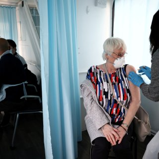 'Eigenlijk is de hele vaccinatiestrategie in Groot-Brittannië gebaseerd op pragmatisme'