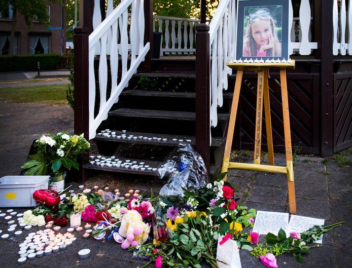 Een foto van Romy tijdens de herdenking.