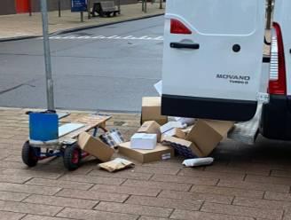 """Pakjesbezorger smijt dozen op straat: """"Als je niet wil dat ik ermee gooi, moet je niks bestellen"""""""
