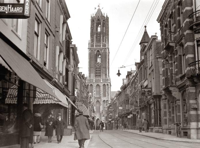 De Zadelstraat in de jaren 30.