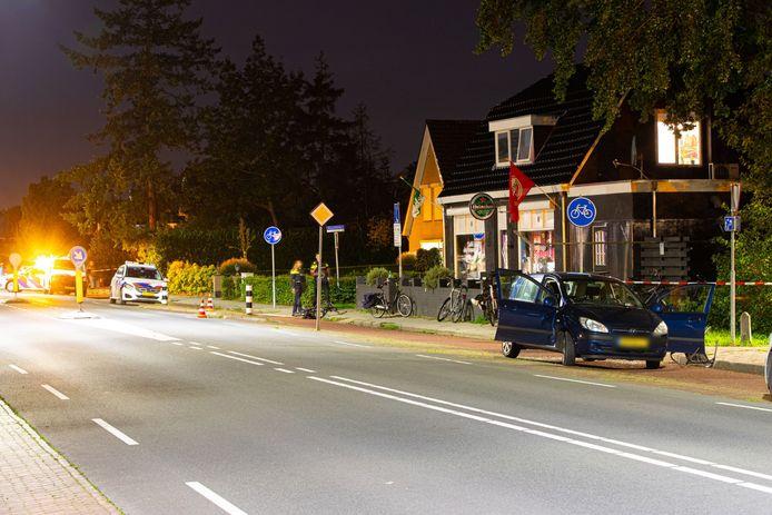 Na de steekpartij in Wezep werd een auto onderzocht. Later in de nacht werd een persoon aangehouden.