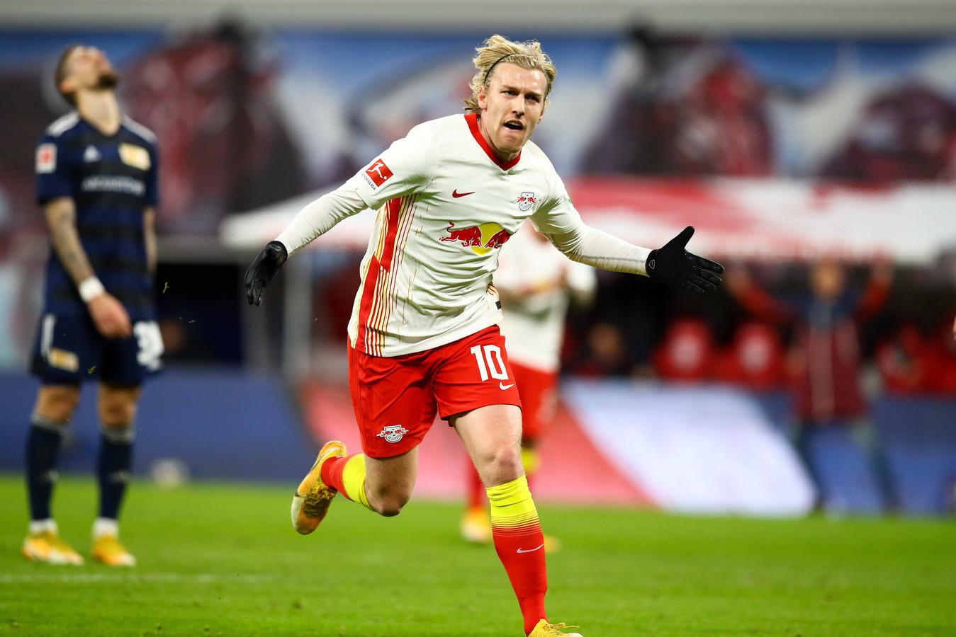 Emil Forsberg viert zijn goal.