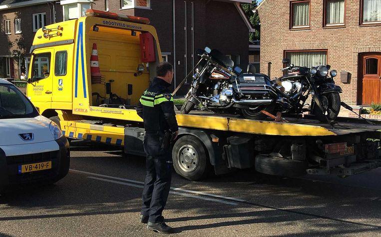 Onder meer in het Nederlands-Limburgse dorp oirsbeek werden motoren van de Bandidos in beslag genomen. Bij de grote politie-actie vorige week werden onder meer raketwerpers in beslag genomen.