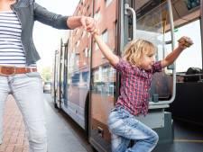 Kind reist tot eind maart gratis mee in bus en regionale trein