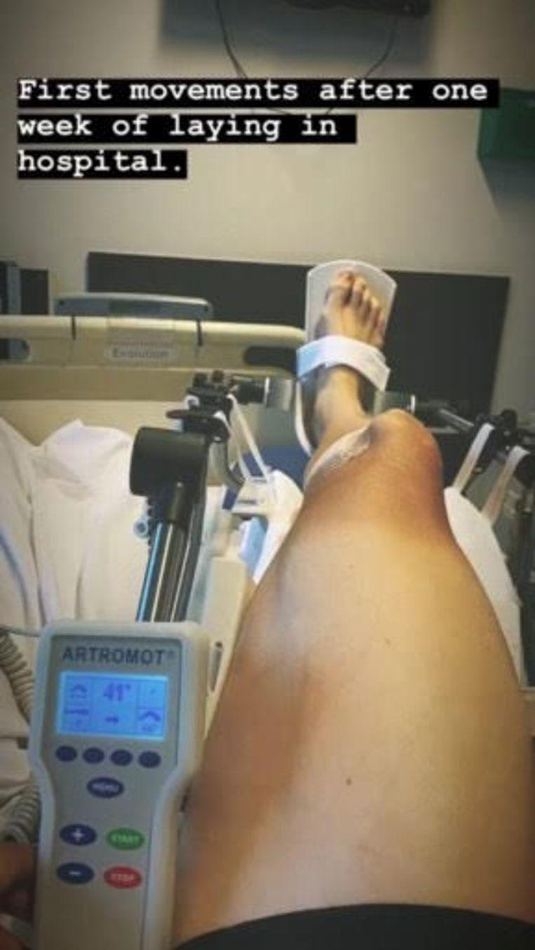 Wout van Aert deelde beelden vanuit het ziekenhuis.