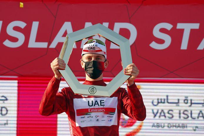 Vainqueur de sa première course de l'année, l'UAE Tour, Tadej Pogacar signe un nouveau contrat.