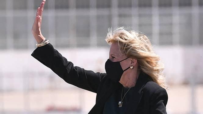 Echtgenote van Joe Biden vermomt zich en haalt 1 aprilgrap uit met pers