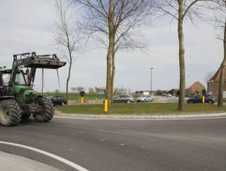 Tijdelijke rotonde krijgt rammelstrook om groeneiland te beschermen