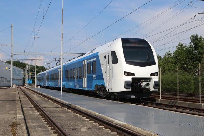 De Flirt3-trein biedt de reizigers veel extra comfort op de spoorlijn Zwolle-Wierden.