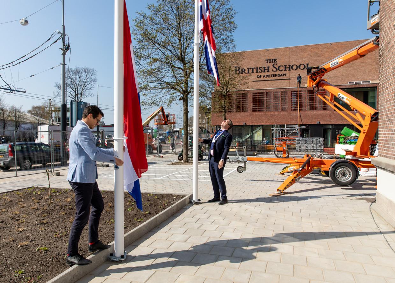 The British School opent de deuren in de voormalige gevangenis in de Havenstraat. Beeld Lin Woldendorp