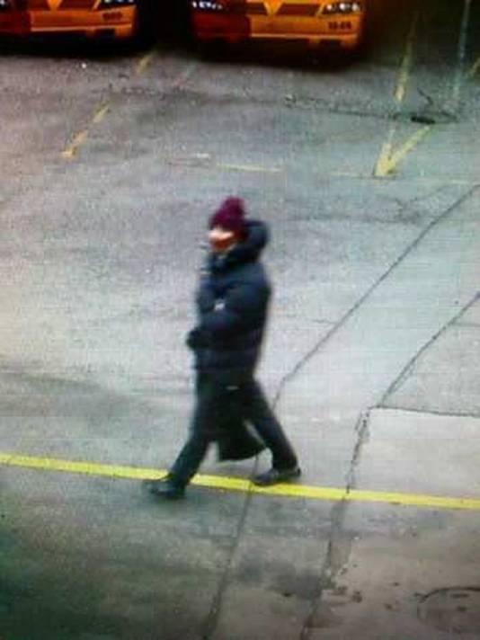 De politie verspreidde gisteren een foto van de vermoedelijke schutter.