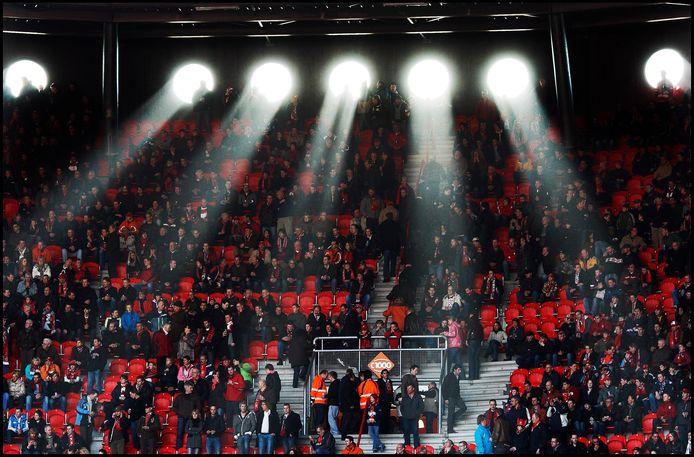 Ooit, toen supporters in het stadion nog heel gewoon waren.