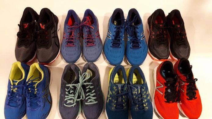 Een afbeelding van verschillende paren schoenen, gepubliceerd door politie Oldebroek.