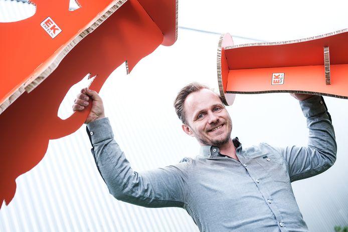 Pronto Print maakt kartonnen EK-meubilair