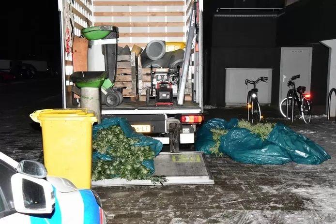 Drugs in flat Meanderlaan