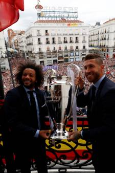 Champions League is thuis: Real Madrid toont cup met grote oren