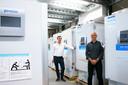 Arthur Goudena en Ton Schipperheijn werken bij PHC Europe, een van de grootste producenten van zogeheten ultralagetemperatuur-vrieskasten, nu hot vanwege de opslag van het Pfizer-vaccin.