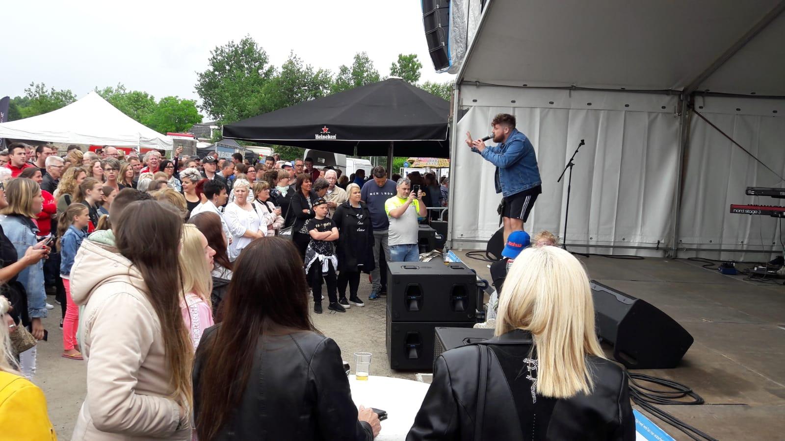 Het optreden van Dave Budha op 'n Bietje Koekoek.